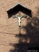 A l'arrière de l'église St-Barthelemy, Ernage
