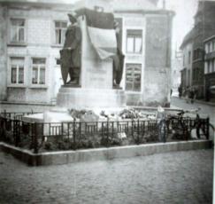 Entre deux guerres - A droite le haut de la Grand Rue
