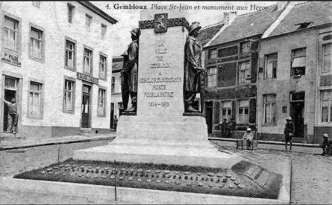 Sur la gauche de la photo on peut lire: FILÉE, ardoisier couvreur et après, H. SALMON, chaussures -non daté - auteur inconnu - source delcampe.be